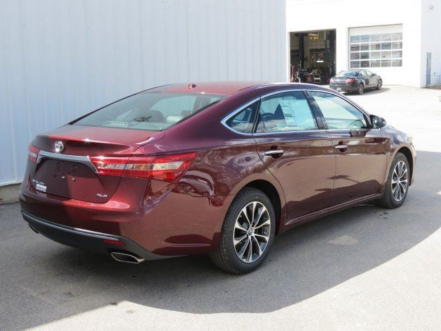 2017 toyota avalon xle premium laconia nh tilton rochester concord new hampshire 4t1bk1eb3hu260525. Black Bedroom Furniture Sets. Home Design Ideas
